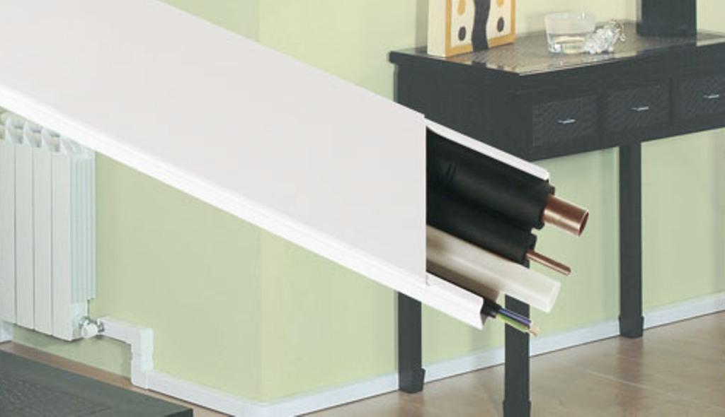 Calha adesiva 40x12,5 10050 fbr