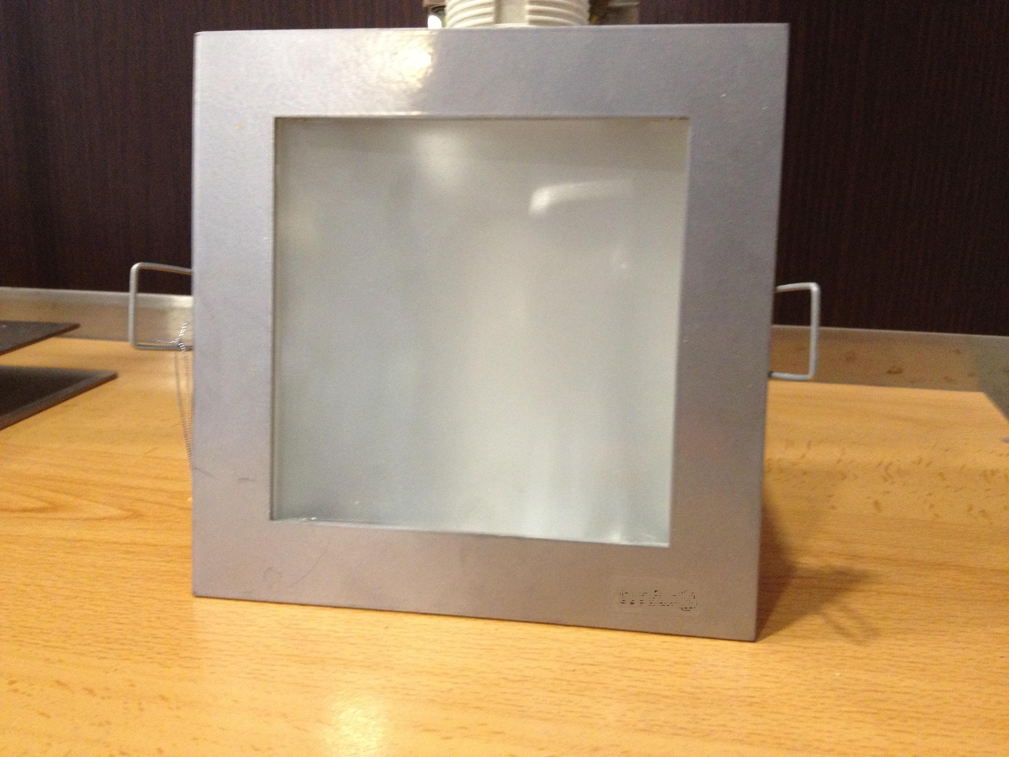 Projector fl. comp. 1x18w cz/fosco c/lamp. 7061.118.2fl